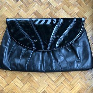 Vintage black patent 80s clutch